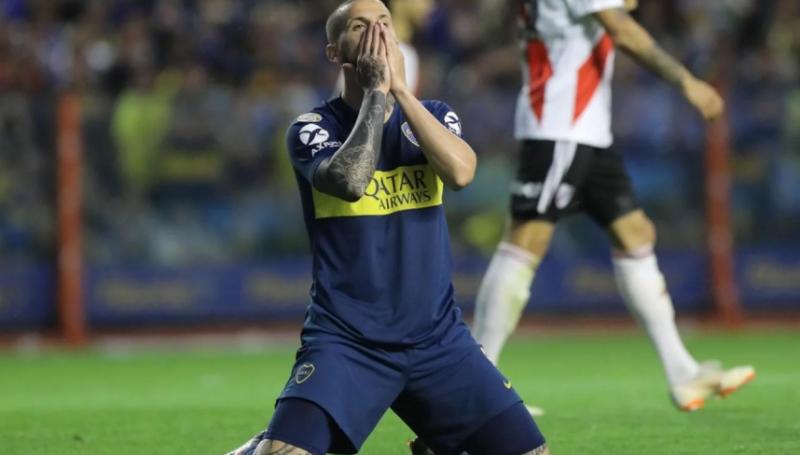 Dura crítica de Darío Benedetto por la derrota ante River: «No lo jugamos como un clásico»