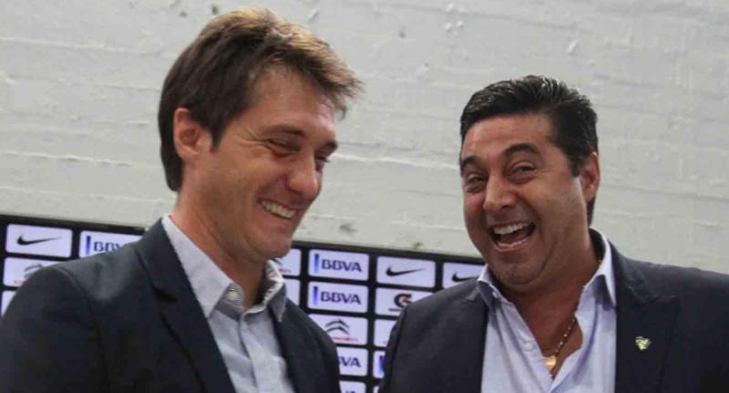 Boca: Angelici dijo que no echará a los Barros Schelotto pero criticó el momento que vive el equipo