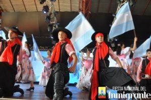 El folclore se llevó todos los aplausos en el cierre de la tercera noche de la Fiesta Nacional del Inmigrante