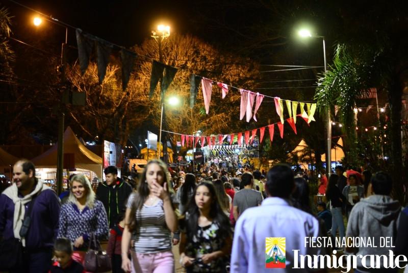 Con muchas actividades continúala Fiesta Nacional del Inmigrante…Adquirí las entradas para Karina, Tche Garoto y Cacho Garay por Internet en Compras Misiones