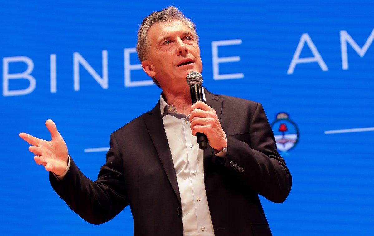 Macri admitió la «emergencia» y dijo que «hay que preparar el terreno, desmalezar» para «sembrar una nueva Argentina»: