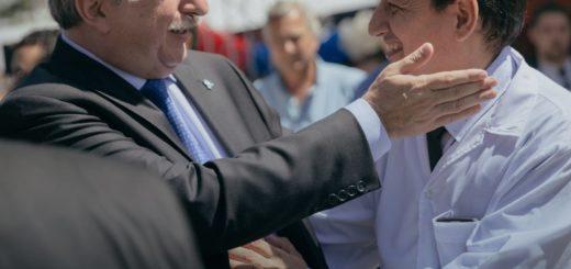 El Gobernador Passalacqua saludó a los Maestros en su Día