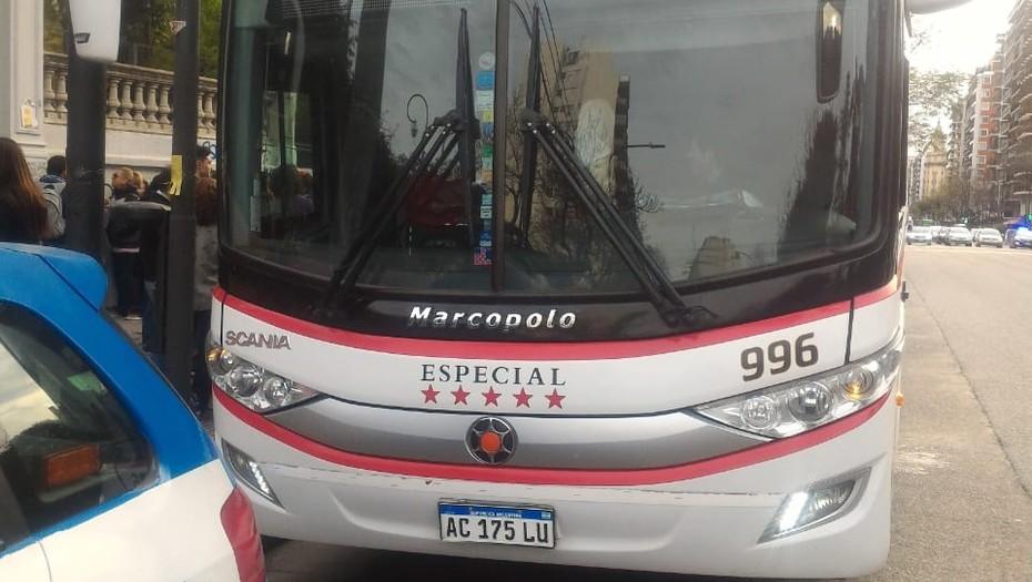Quitan licencia a dos choferes por consumo de drogas: estaban por salir con alumnos a Bariloche
