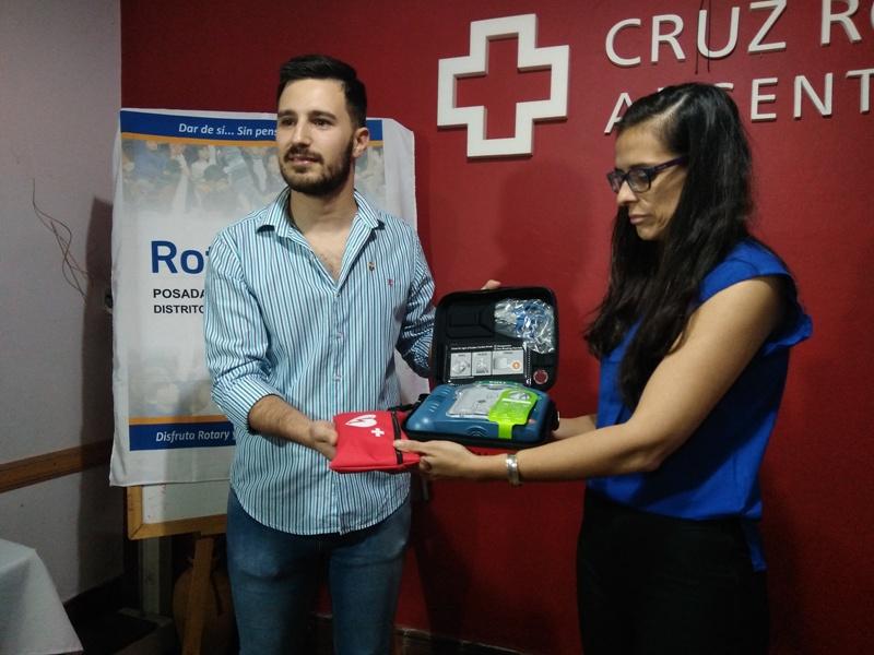 El Rotary Club entregó a la Cruz Roja importante equipamiento para emergencias médicas