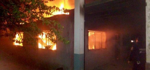 Apareció el responsable del incendio en la escuela de Moreno y dio una insólita explicación