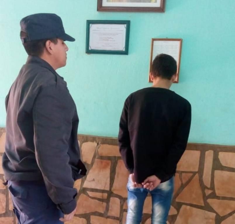 Dos  jóvenes fueron detenidos por causar destrozos en el SUM de San Ignacio