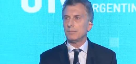 """Macri en la UIA: """"Tengo claro el camino para salir de esta tormenta"""""""