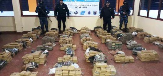 La Policía incautó una camioneta con más de 895 kilos de marihuana en Pozo Azul
