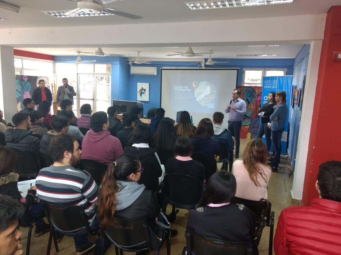 La Oficina de Empleo y la Agencia de Turismo de Posadas capacitaron a jóvenes con una charla de enfoque turístico