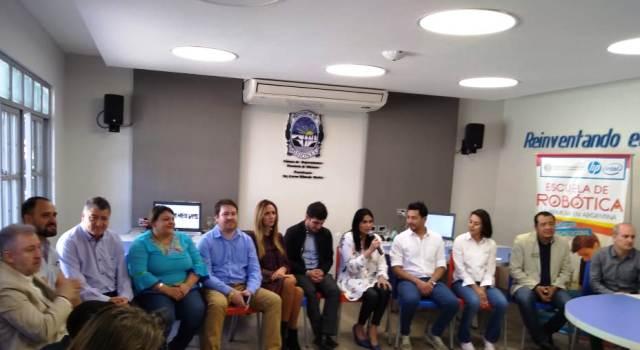 """«Tu diputado te visita"""" en Misiones: alumnos de 4° y 5° grado más cerca del Congreso a través de la realidad virtual"""