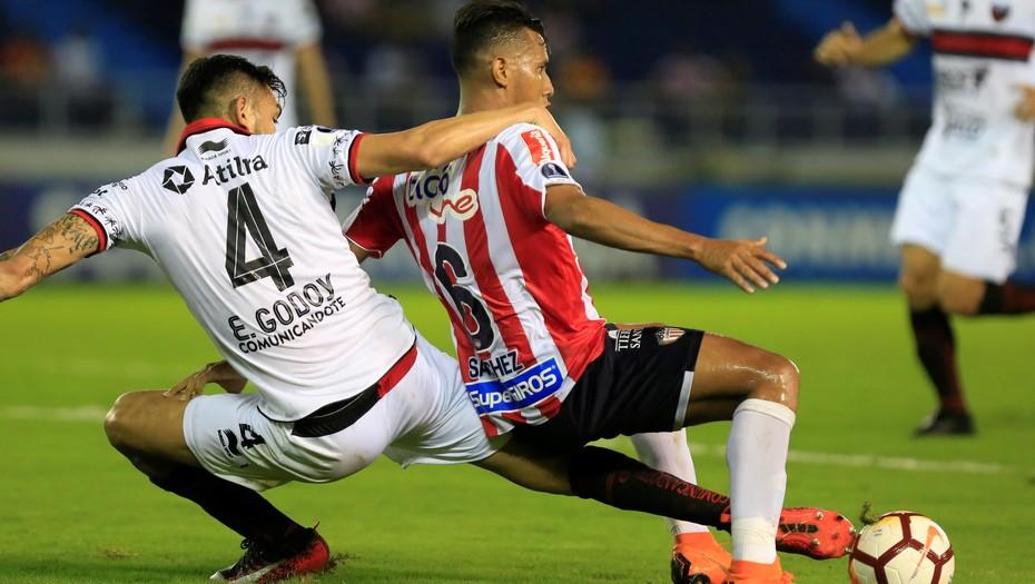 Copa Sudamericana: Colón se vuelve a Santa Fe con un resultado que lo deja con vida