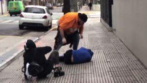 """Juanpa Barbot golpea al famoso youtuber Yao Cabrera por """"pedófilo"""" y """"violador"""""""
