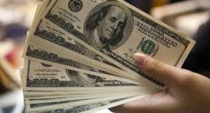 El dólar cayó casi 6% esta semana y hoy se vende en Posadas a 38.80 pesos