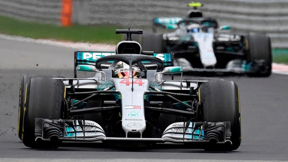 Mercedes jugó para Hamilton y el británico se afianza en la cima de la Fórmula 1