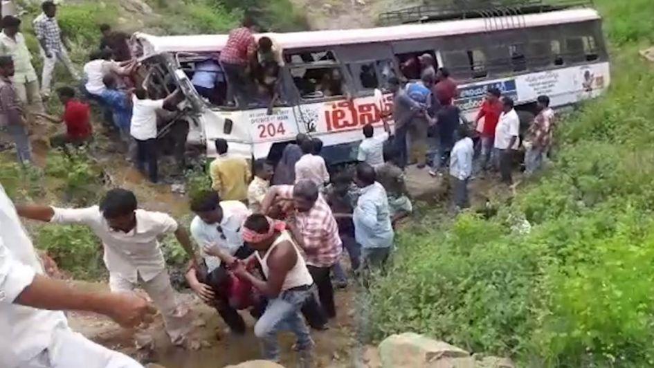 Tragedia en India: 45 personas murieron cuando iban camino al templo budista