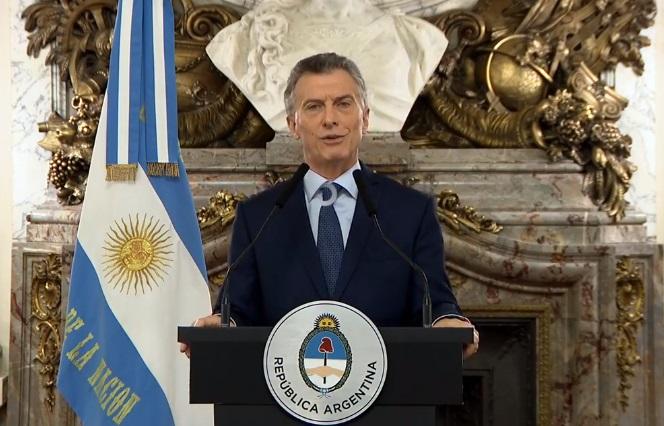 Macri anunció que reducirá a la mitad la cantidad de ministerios y que potenciará la asistencia social