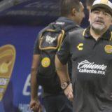 """Maradona destrozó a Messi: """"No puede ser caudillo alguien que va 20 veces al baño antes de jugar"""""""