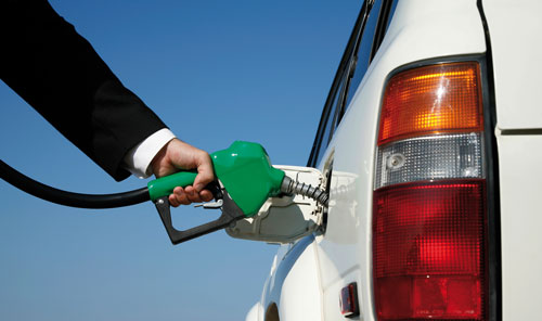 Por la suba en el combustible, llenar el tanque cuesta hasta $1.000 más que hace un año