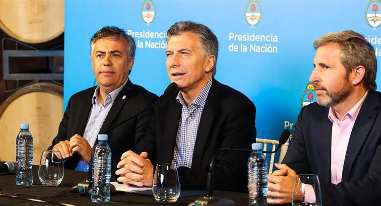 Macri: «Tuvimos tres días de tranquilidad, pero todavía no pasó la tormenta»