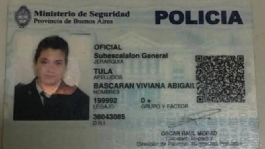 Una mujer policía salió a robar con su hijo de 2 años en el auto