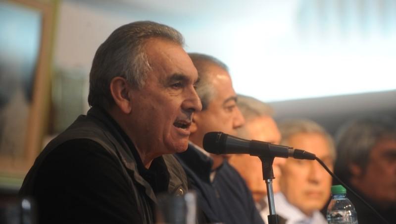 Juan Carlos Schmid renunció al triunvirato de la CGT
