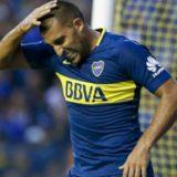 Carlos Tevez faltó a la práctica de fútbol, pero estará en la cancha donde quebró a un rival