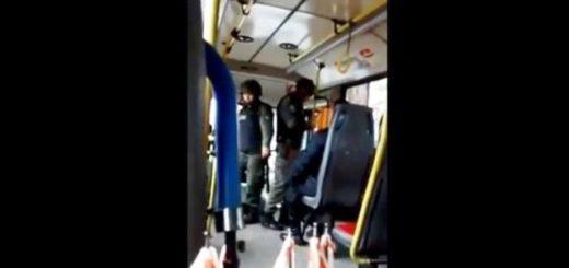 Polémica en Córdoba: Efectivos de la gendarmería realizaron un operativo en un colectivo urbano