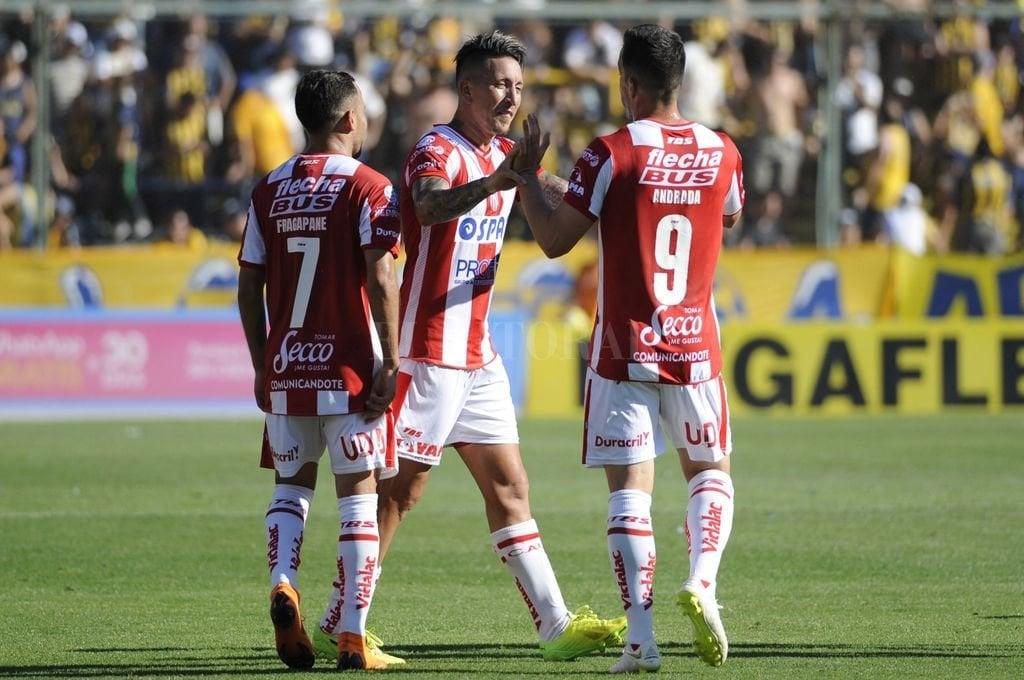 Unión venció a Argentinos Juniors y alcanzó el segundo lugar en la Superliga