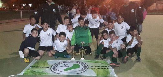 """Hockey: los """"caballeritos"""" de la sub 12 del CEF N°22 se consagraron campeones de la región NEA y la copa Corrientes en representación de la provincia de Misiones"""