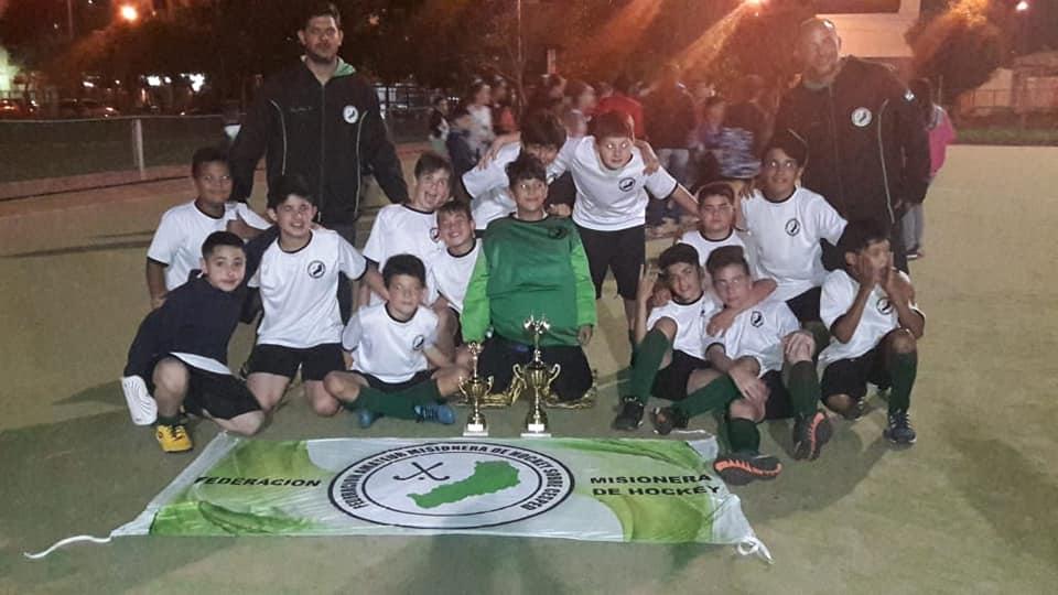 Hockey: los «caballeritos» de la sub 12 del CEF N°22 se consagraron campeones de la región NEA y la copa Corrientes en representación de la provincia de Misiones