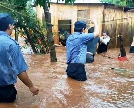 Viralizan mensajes para colaborar luego de las intensas lluvias en Posadas