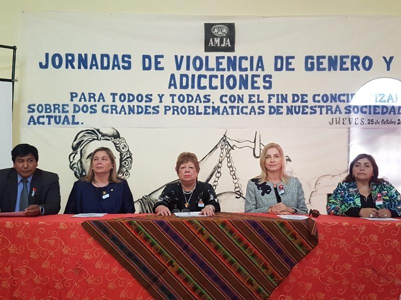 La ministra del STJ misionero Cristina Leiva, asistió a la Jornada Violencia de Género y Adicciones que se realizó en Jujuy