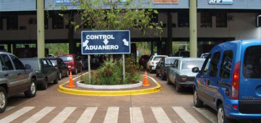 Iguazú: allanan la cabecera argentina del puente Tancredo Neves y detienen a tres aduaneros por contrabando