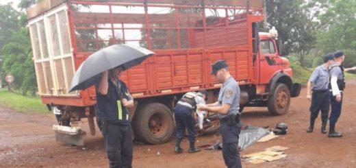 Un joven de 25 años murió en Oberá al chocar su moto contra un camión