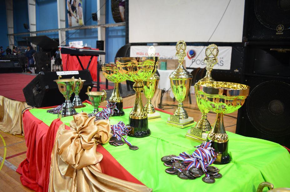 Torneo Nacional de Mami´s Hockey: Ayer se realizó la ceremonia inaugural y hoy arrancó la competencia