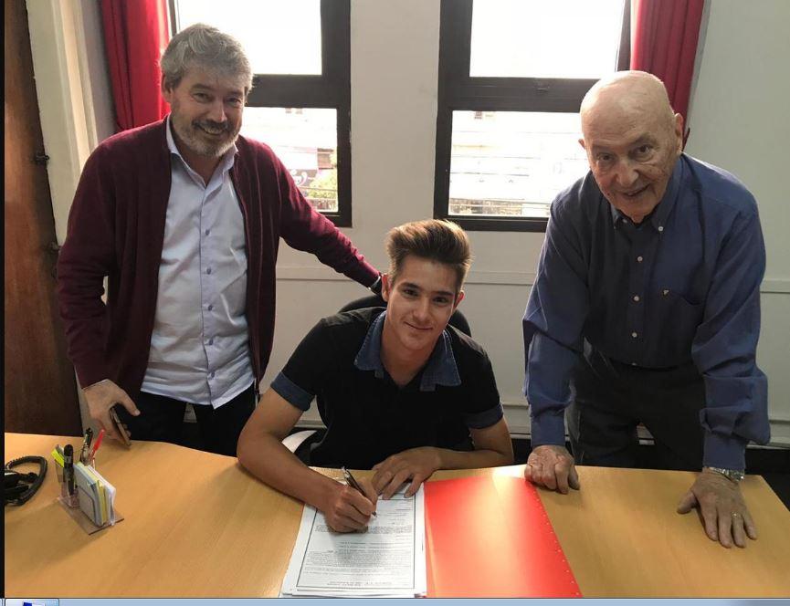 Con una cláusula de 15 millones de dólares, el misionero Rodrigo Márquez firmó su primer contrato con Independiente