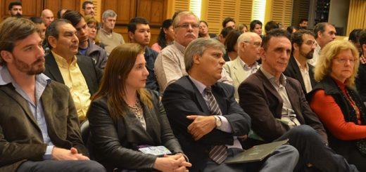 Se realizó en la Legislatura conferencia sobre la historia del movimiento cooperativo