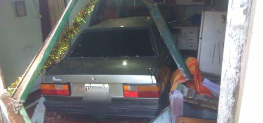 Puerto Rico: automóvil se incrustó en una vivienda y un adolescente terminó lesionado