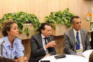El ministro Dante Sica dialogó con yerbateros en el stand del INYM de la SIAL París