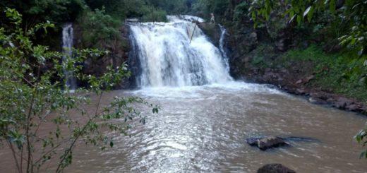 Buscan a un joven de 25 años que desapareció tras lanzarse al salto Mbocay en Iguazú
