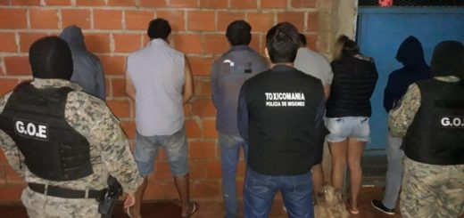 """La Policía desbarató otro cuatro """"kioscos"""" de cocaína y capturó a seis """"dealers"""" armados en Posadas"""