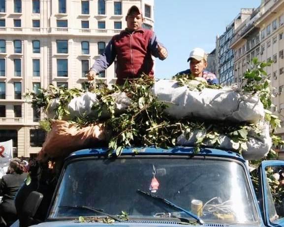 Tareferos misioneros vuelven a manifestarse en Buenos Aires frente al Ministerio de Desarrollo Social de la Nación