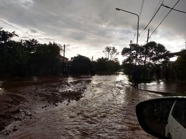 Temporal: vecinos del Club Educación bajo agua por las fuertes lluvias