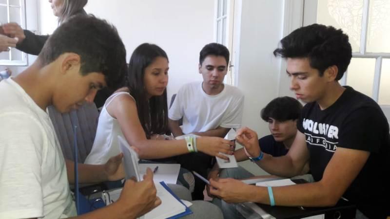 """Alumnos del Roque González participan de un """"modelo internacional de Naciones Unidas"""" en Buenos Aires"""