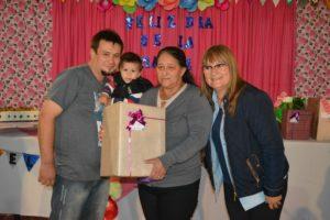 Mes de las Madres: El P.A.S. agasajó a las mamás del Barrio San Isidro