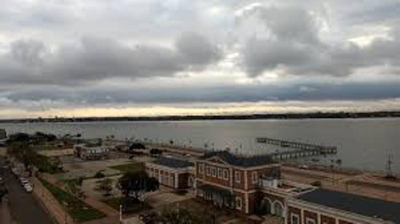 Se esperan lluvias aisladas en la provincia y el viernes volverían las tormentas con posibles descargas eléctricas