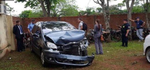 Chocaron dos vehículos argentinos en Itapúa, Paraguay: uno de ellos tenía un doble fondo con droga