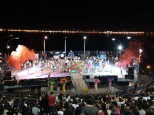 Los estudiantes posadeños se despidieron de la Estudiantina con un Show de Scolas lleno de ritmo y color