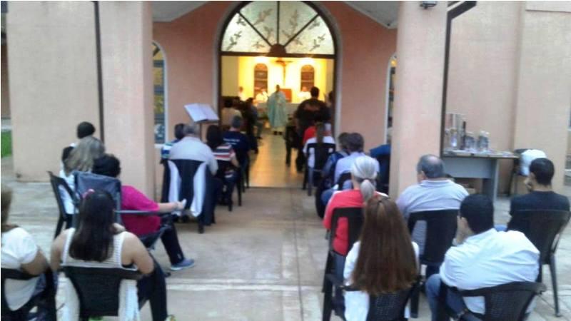 En el Santuario de Loreto casi 50 parejas renovaron sus votos matrimoniales, celebrando las familias