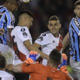 Designaron a los árbitros para los partidos de vuelta de la Copa Libertadores y ya hay polémica